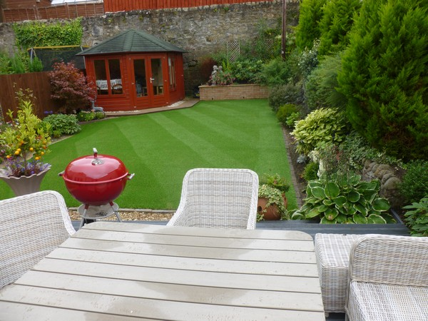 How To Create The Perfect Garden For Socialising This Summer