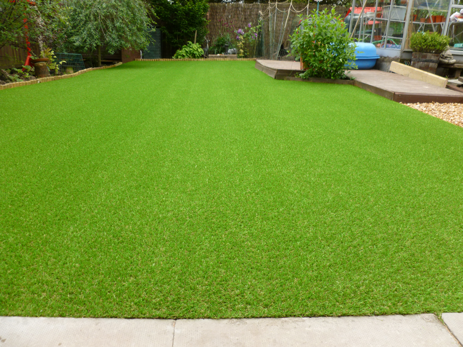 Artificial Grass Helps With Hayfever