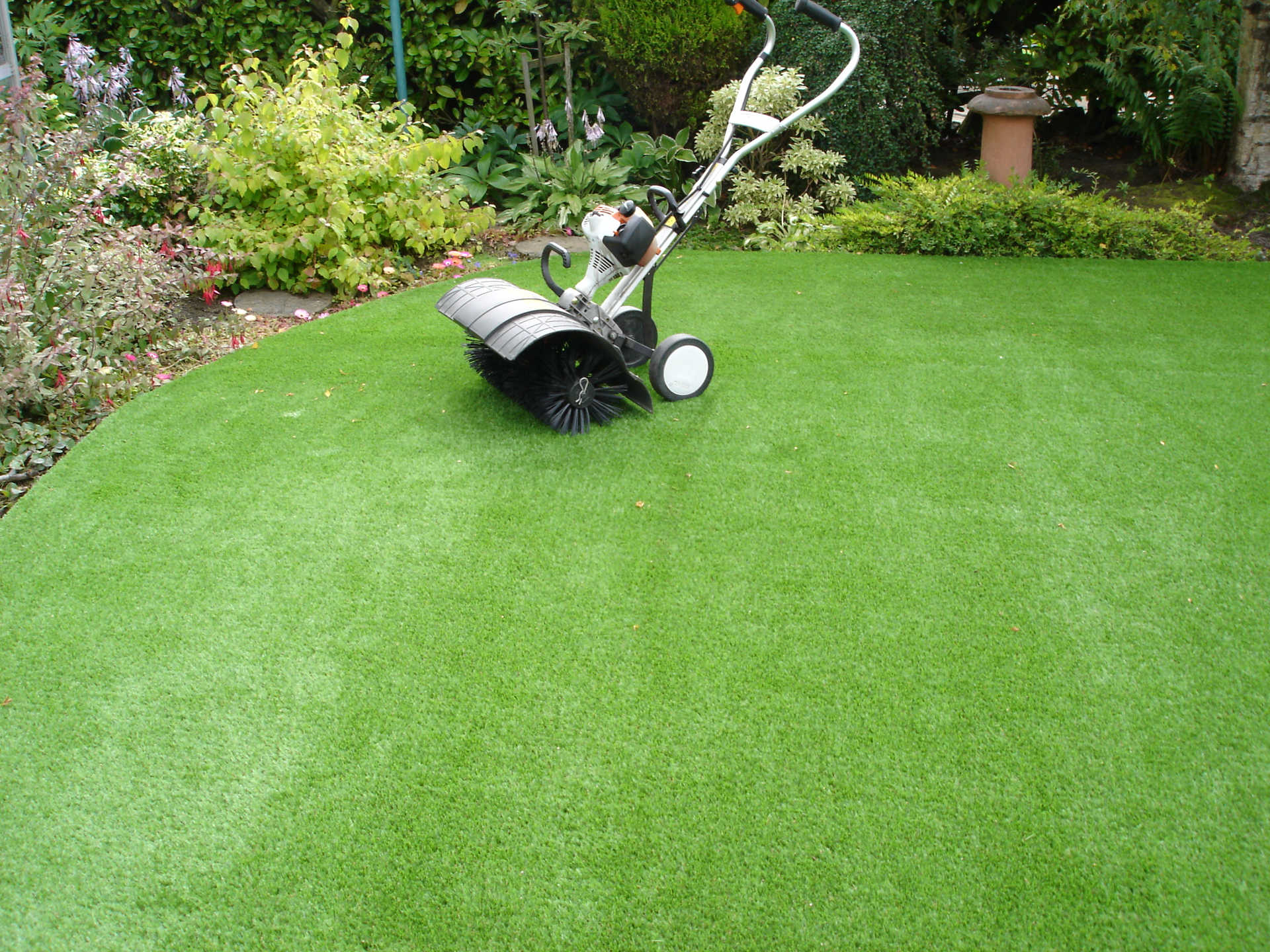 Artificial Grass Edinburgh Maintenance