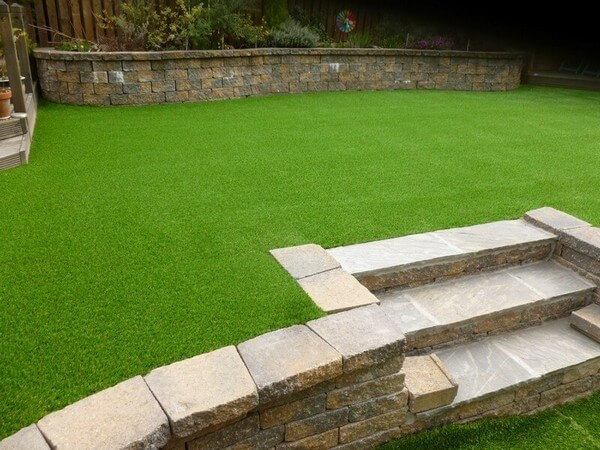 Maintaining Your Artificial Grass This Summer