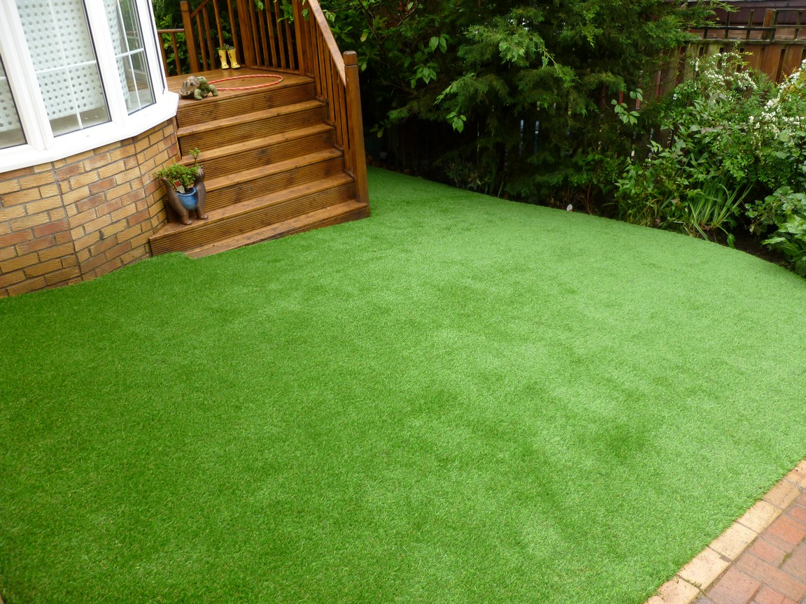Benefits Of Artificial Grass For Your Family Home